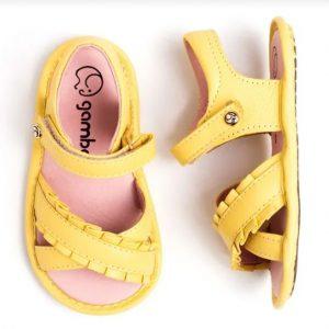 sandalia-infantil-gambo-baby-babado-amarela